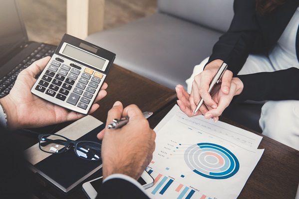 Benefits of Hiring a Financial Advisor for Business